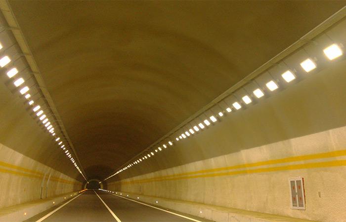 设计说明 : 采用《公路隧道设计规范jtg  d70/2-2014》,《公路隧道